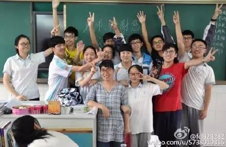再见,母校!最后一幕你泪奔了?2016初中西安黄河中学图片