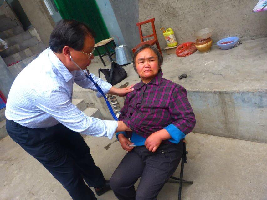 林州:坚守慈善 守恒信仰 -随市人民医院下乡义