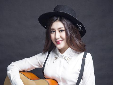《美丽笨女人》收录于李玟的国语大碟《didadi暗示》,由吴旭文作词图片