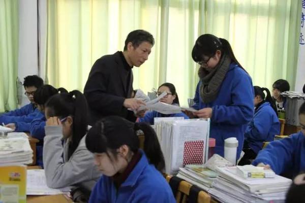 华茂外国语学校OPENDAY,优秀的准高中生都儿童画高中图片