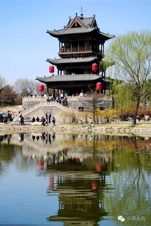 """常家庄园,位于山西省晋中市榆次区东阳镇车辋村,是""""儒商世家""""山西常氏图片"""