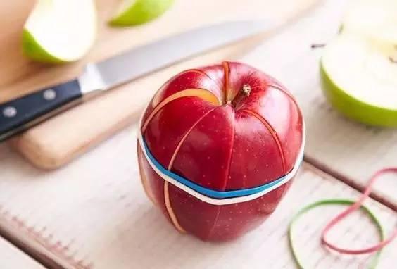 把橡皮筋绑在苹果上,结果惊呆了!我怎么没想到....-搜狐旅游 - 웹