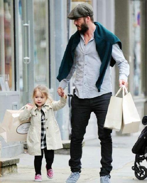 贝克汉姆和女儿小七,女儿真是爸爸上辈子的情人图片