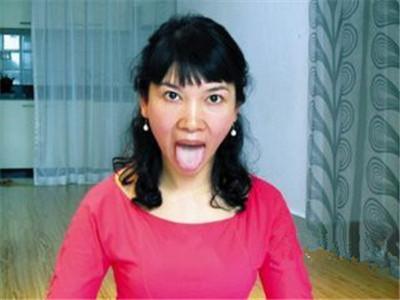 4式瘦脸瑜伽:加速排毒,改善颈纹,面色红润图片