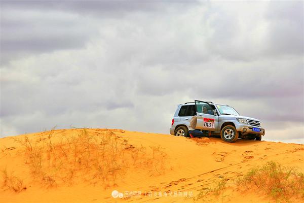 库不齐沙漠,我的第一次穿沙越野之旅.