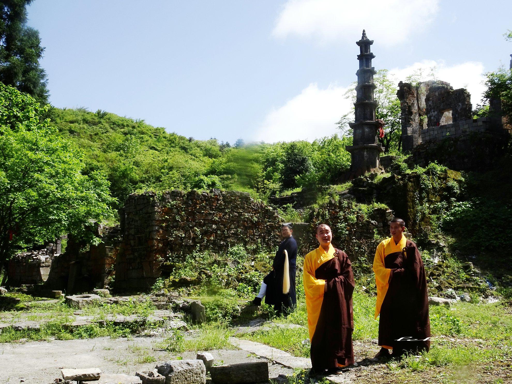 现代元素与历史沧桑混搭 天门山寺遗址满血复活