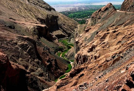 暑假新疆丨盛夏流年,行走在鲜花盛开的伊犁河