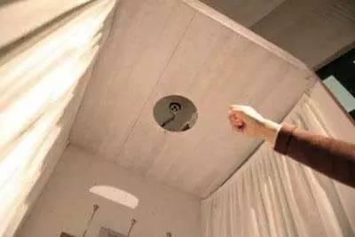 偷拍的�9��y�)�.�_可恶|龌龊房东在出租屋藏7处摄像头 偷拍女租客洗澡