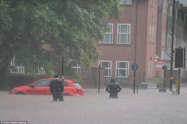 Image result for 英国下雨被淹