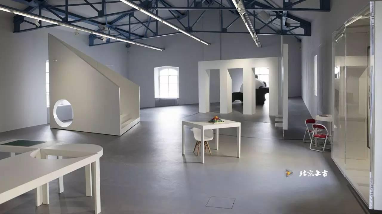 激发灵感的纳米水泥创意办公空间图片