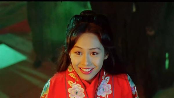 朱茵在《大话西游之大圣娶亲》里的紫霞仙子应该是朱茵的颜值图片