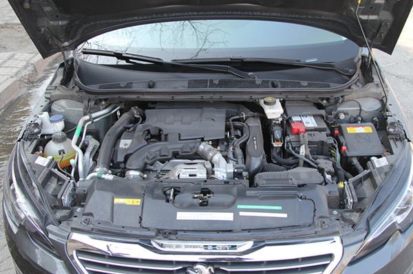 配车型搭载的是PSA集团的得意之 曾获沃德十佳发动机奖项.发动机