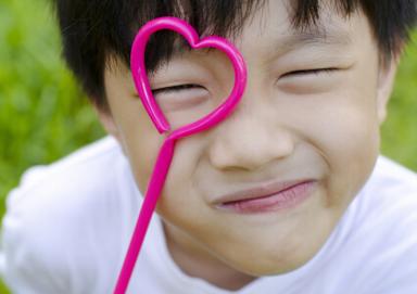 在青春期预防近视眼?新疆爱眼小发型-超短搜狐发烫发帮手图片男图片