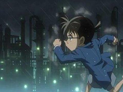 一个在雨中奔跑的孩子