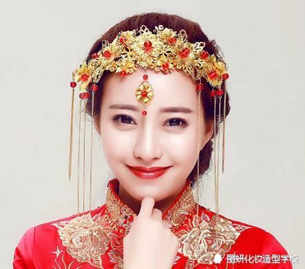 充滿東方韻味的中式秀禾新娘造型,美得不要不要的圖片