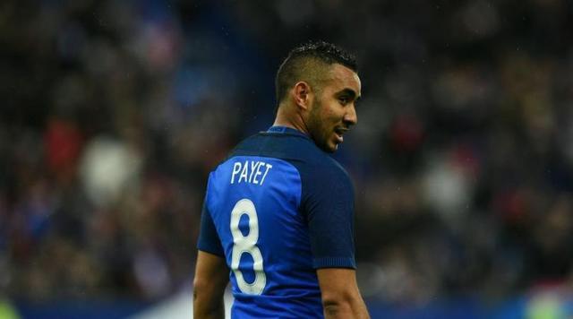 帕耶是本届欧洲杯法国队大腿中最粗那一条,冲击力十足脚法细腻,威胁球能力极强的帕耶面对高大的冰岛后卫应该会取得不错的进攻效果,而且帕耶的任意球能力也让法国队的定位球威胁更大,可以说帕耶的存在极大的丰富了法国的进攻手段。小编个人预计本场比赛法国队应该会顺利晋级,与德国会师半决赛,本土作战的法国人一定希望能够在自己的国度有所作为。是冰岛奇迹的延续还是法兰西的高歌凯旋让我们静候今晚比赛的到来!