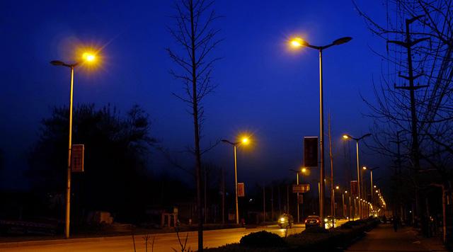 智能路灯控制系统如何实现城市节能