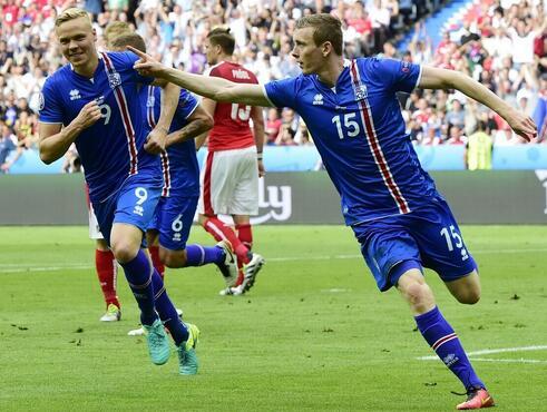 今年冰岛足球历史上首次跻身欧洲杯正赛