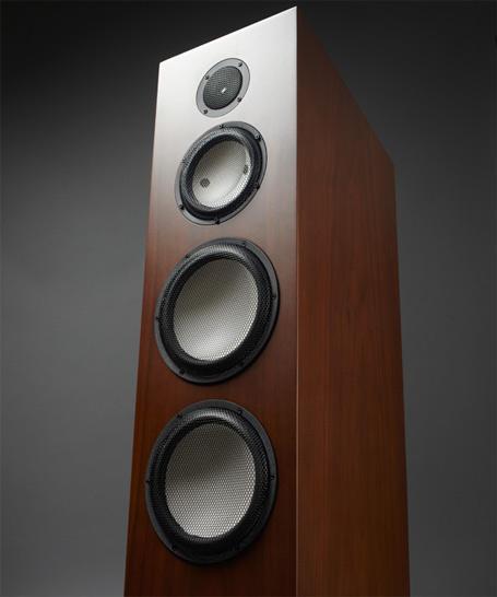四单元,三分频典型的完整架构设计;黑钻高音,陶瓷中音,陶瓷双低音,同