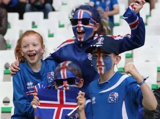 这已经占到了冰岛全国人口的几乎