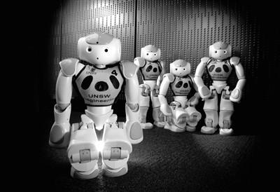 2015年机器人世界杯冠军、来自澳大利亚新南威尔士大学计算机科学与工程学学院的机器人足球队,投入到在德国进行的2016年机器人世界杯足球赛中.