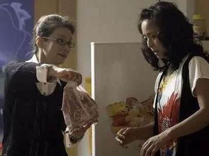 【妈妈帮】两个妈一起带娃  婆婆却当着娃面拿刀冲向娘家妈