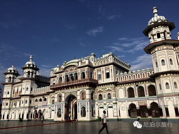 旅游 正文  尼泊尔的莫卧儿风格建筑不多,记录当初穆斯林侵入加德满都图片