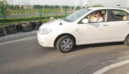 行驶证 驾驶证 违章查询系统,曲线行驶,开车技巧,扣分罚款,违章查询