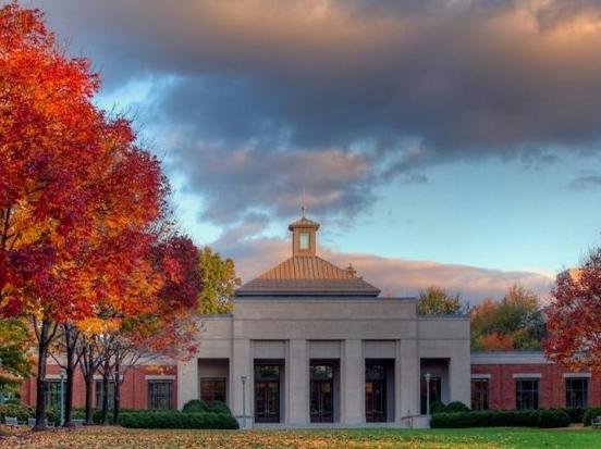 美国名校转学政策-弗吉尼亚大学