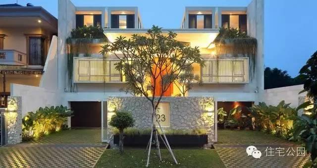 大门自建现代双拼兄弟,内院别墅竟有这样妙的定制别墅天井图片
