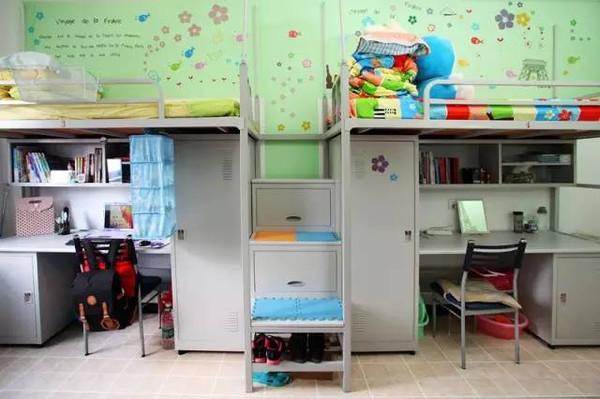 大连东软信息学院寝室,干净整洁.图片