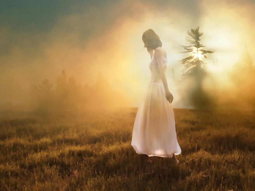 每当你开心时,忧伤时, 伪装时,失得落时,流泪时, 甚至你对生活不满抱