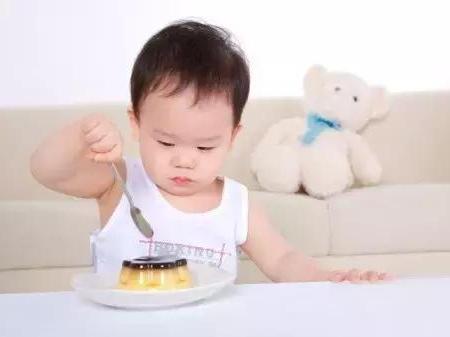 胡海默:孩子不按时吃饭,是给他留饭还是饿一顿?
