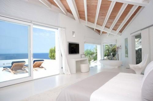 大海海景沙滩马洛卡岛的a大海别墅别墅遮阳棚里蓝天违建图片