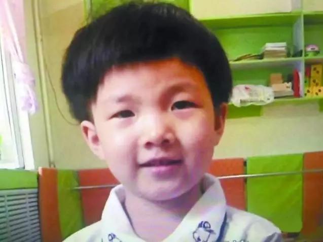 【妈妈帮】哈尔滨:被爸爸扔在幼儿园的小孩,咋样了?