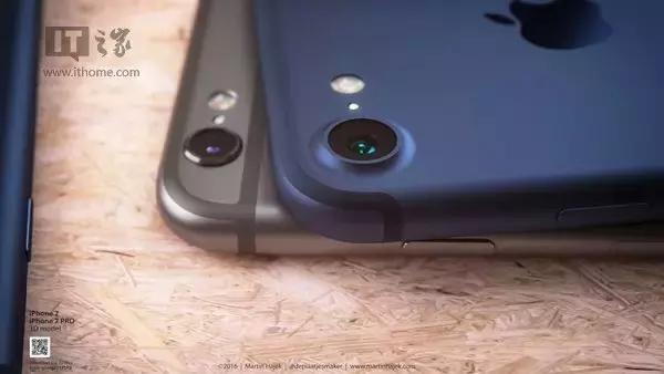 虽然目前很多手机厂商已经不再将耳机放在随机赠送的配件行列之一,但此前苹果还一直坚持着送耳机的传统,而取消3.5mm耳机接口后,全新的Lightning耳机本身应该更诱惑人,但苹果若真的不再附送耳机,相信很多用户还是会感到失望的。唯一的好处是,用户现在拥有的耳机不必扔掉了,因为苹果会送一个Lightning转接器,传统3.