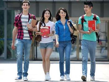 寄宿学校的美高党申请大学更有优势?没有科学依据-美国高中网