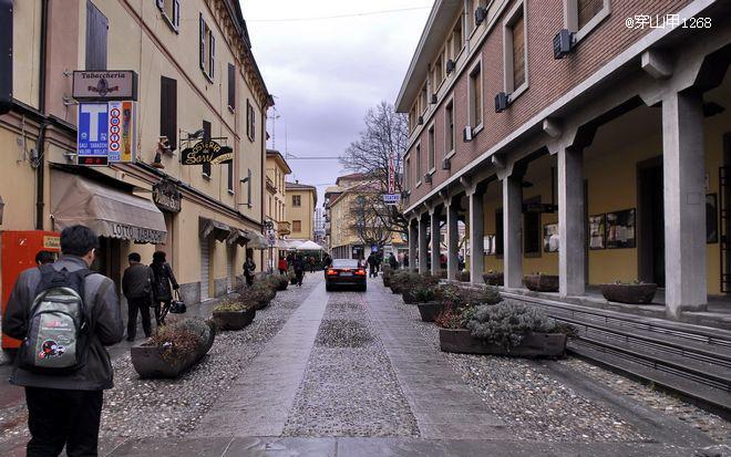 圣马力诺/▲圣马力诺面积不大,建筑和街道却很整齐,这是通往国家市政厅...