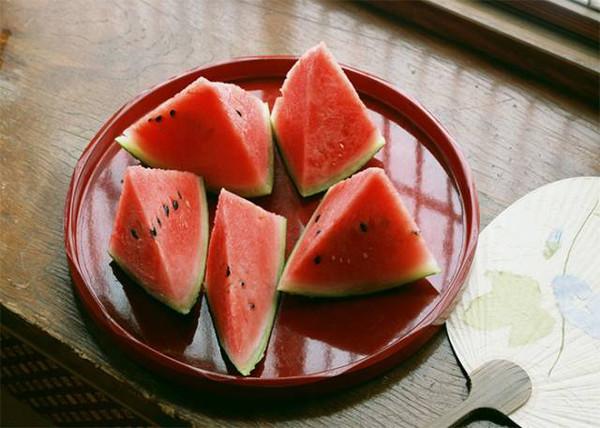 西瓜怎么吃才最安全呢?