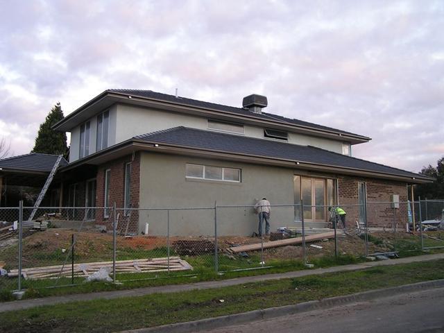 房产 正文  木结构做好框架后,外墙可以做保温,防潮层,最外层墙体在