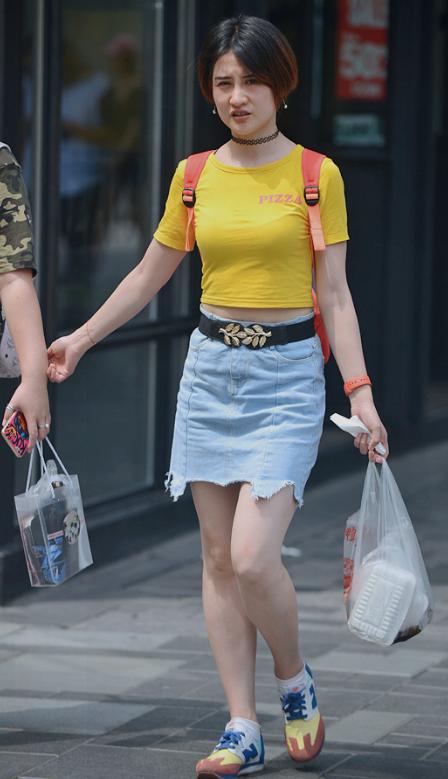 街拍:凹凸图片美女是真奶头!(组图)-搜狐最强-性感小身材美女的22720000图片