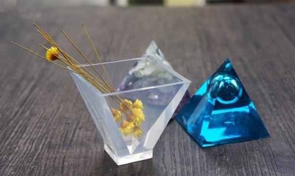 教你制作diy创意水晶滴胶树脂饰品图片