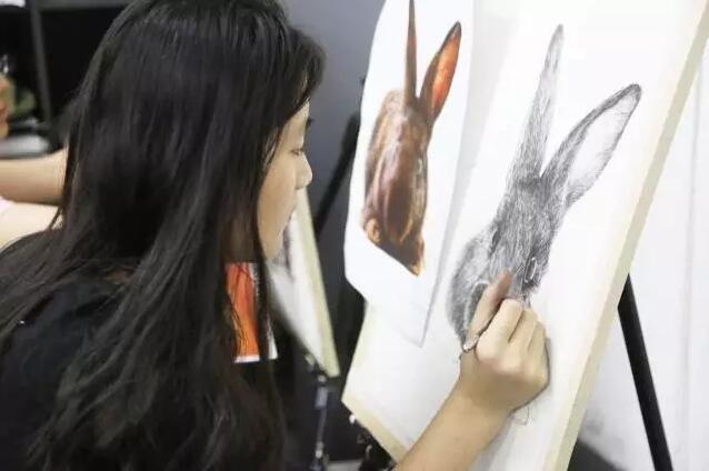 非高三班精微超写实素描课程进行中 杭州吴越画室