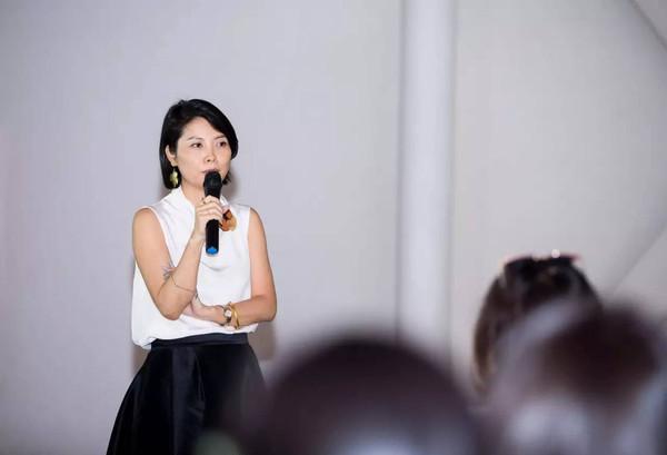 EACHWAY艺之卉时尚集团首席设计师、艺之卉新锐美术馆馆长赵卉洲