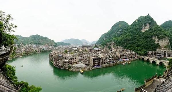 s形的河水绕城而过   将整个镇远古镇画成了一个八卦图案   人们临水而居   八大免费古镇   你不可不知   1镇远古镇图片