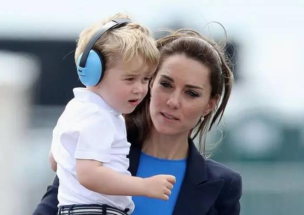 凯特王妃教育小王子时,都看了哪些育儿书?
