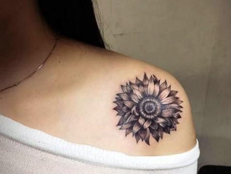 2016夏季女人肩部刺青图案大_纹身图案