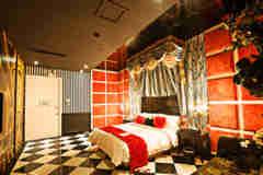 南京8大妈妈情趣酒店,18岁以下禁入!穿主题照片情趣内衣的图片