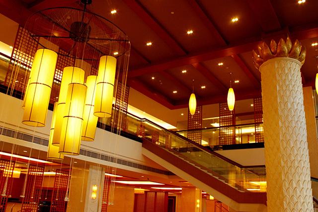 旅游 正文  叶园温泉酒店按五星级装修,共有豪华客房256间,其中酒店图片