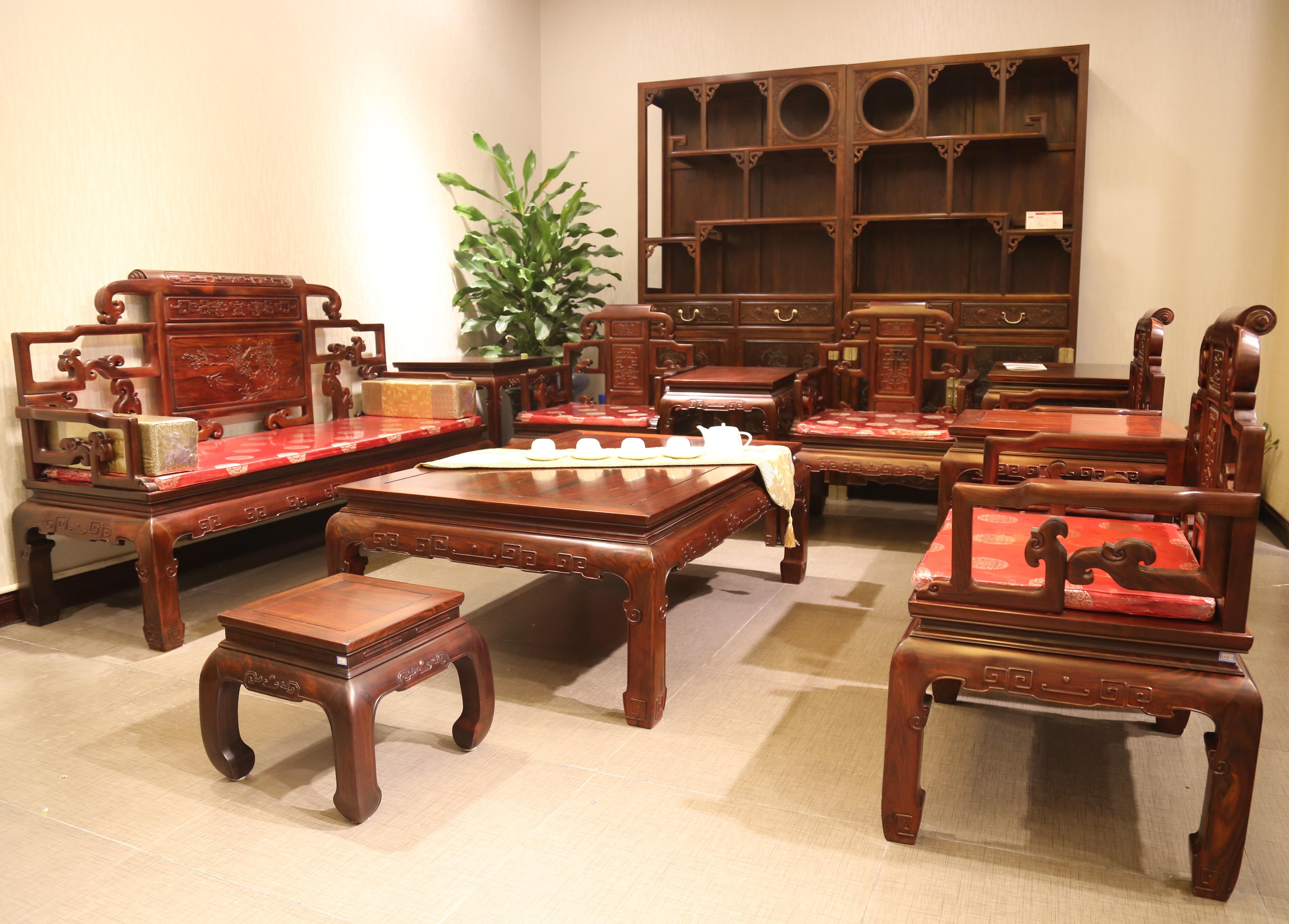 王朋成谈指尖上的红木家具名企-中国网-中国家具-视窗暧逸官网艺术图片